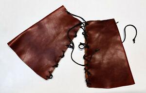 Bracciali per rievocazioni medievali in cuoio realizzati a mano