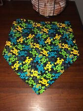 Boy's Wag-A-Tude Skull Scarf Lime Green, Yellow, Gray, & Blue Size M/L NWOT