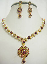 Gold Plated Studded Diamond Pearl Necklace & Earring Imitation Jewellery Set