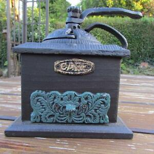 COFFEE GRINDER CAST IRON AND WOOD TRADITIONAL VINTAGE STYLE GREEN DRAWER HEAVY