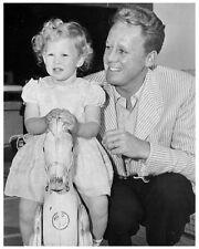VAN JOHNSON & 3 year old daughter 8x10 promo still -- (y544)