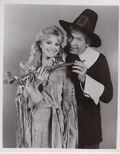 """Buck Owens, Gunilla Hutton in """"Hee Haw"""" 11/10/76 Original TV Still"""