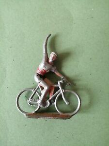 PETIT COUREUR CYCLISTE vainqueur TOUR DE FRANCE / Peint Métal Plomb