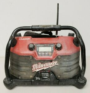 Milwaukee Heavy-Duty Job Site Radio 49-24-0200 Rockford Fosgate Works READ