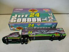 2001 Action Jeff Gordon Dupont Looney Tunes Hauler 1/64