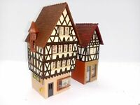2 sehr schmale Fachwerkhäuser Altstadt mit Geschäften BELEUCHTET Spur N D0173