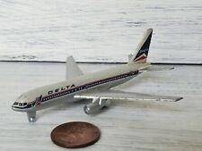 Schabak 907 Delta Airlines Boeing 767 White Collectible Aircraft Model Plane