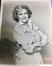 Betty White Hollywood Golden Girls TV actress signed autograph Auto 8X10 Photo !