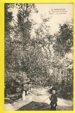 Carte Postale Ancienne FRANCE NORMANDIE 76 - CLÈRES Un SOUS BOIS Enfant Rateau