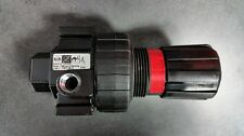 NEW Amflo 3125A-RET Regulator 3/8 NPT (Made in USA) with Free 1/4 160 PSI Gauge.