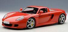 1/18 Autoart - Porsche Carrera GT rosso + kostenlose 1/18 VETRINA