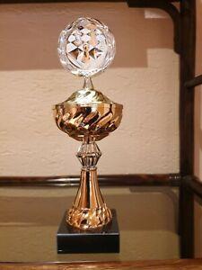 Pokal | Schachpokal mit Deckel | bronze-silber-goldfarben | Sockel | ohne Gravur