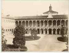Italie, Milano, cortile dell'Ospitale  Vintage albumen print  Tirage albu