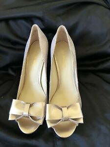 Sz 8M Enzo Angiolini Gold Sequined Formal Peep Toe High Heel Pump Classic
