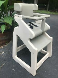 Rubbermaid Sturdy Child Chair Youth Seat High Chair