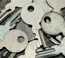 Singer Featherweight 221 / 222 Sewing Machine Case Key