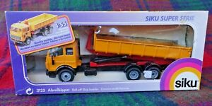 SIKU 3125 1/55 Mercedes Benz SK with roll-off skip 1993 (MIB) made in Germany