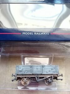 Bachmann-MODEL RAILWAYS OO GAUGE - rolling stock-5 plank wagon 37-061 boxed
