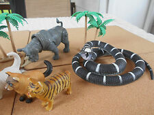 Lot Of 6 Animals, Snake & 2 Palm Trees