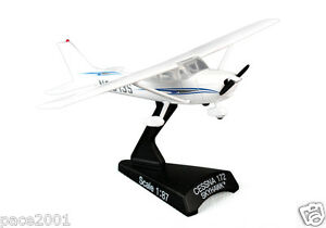 Postage Stamp Cessna 172 Skyhawk 1/87 Scale Diecast Model with Stand