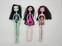 Monster High Frankie Stein & Draculaura LOT OF 3 DOLLS With Cloths Jointed