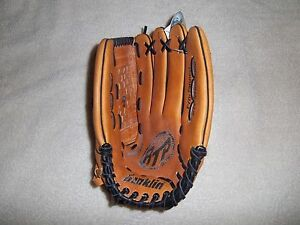 "FRANKLIN 4539 BASEBALL GLOVE 13"" RH PLAYER(GOES ONLEFT HAND)"