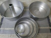 ALUMINUM MIRRO & ? ROUND CAKE MOLDS PANS  2-REMOVABLE BOTTOMS, 4 MIRRO Round