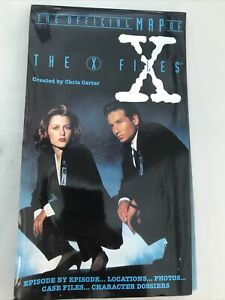 THE X-FILES: The Official Map Of The X-Files (1996) Covers Seasons 1-3 (Book)