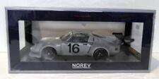 Voiture de tourisme gris pour Porsche