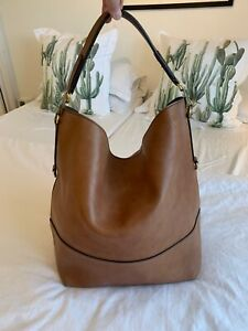 BURBERRY PRORSUM LARGE MENS TAN LEATHER SHOULDER / TOTE BAG FROM FALL 2011