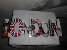 """DECO lettres en bois en relief """"LONDON"""" en très bon état"""
