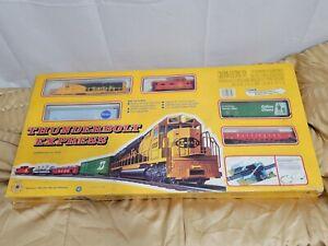 IHC Thunderbolt Express Electric HO Train Set T340 Mehano *Tested*