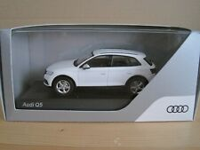 AUDI Q5 in IBIS WHITE 1/43 AUDI COLLECTION MODEL CAR..
