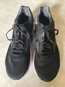 Mizuno Running Shoes Size US11 UK8.5