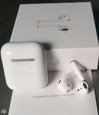 Apple AirPods 2 avec Boîtier de Charge sans Fil - Blanc (MRXJ2ZM/A)