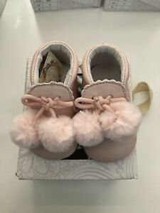 Couche Tot Spanish Style Leather Pom Pom Baby Pram Shoes Size- Uk 1.5 Eur 17
