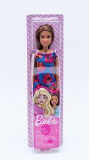 Mattel GBK94 - Barbie Puppe brünett im Blumenkleid blau / rot NEU / OVP