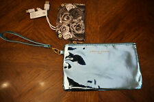 ADRIENNE VITTADINI STUDIO BLUE WRISTLET WITH PHONE CHARGING STATION BNWT