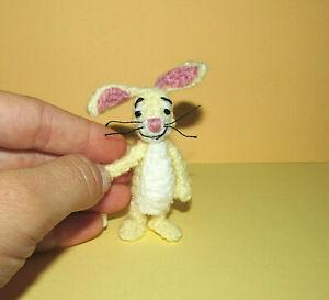 Miniature Dollhouse Rabbit Winnie The Pooh Bear Artist Crochet Dollhouse Toy