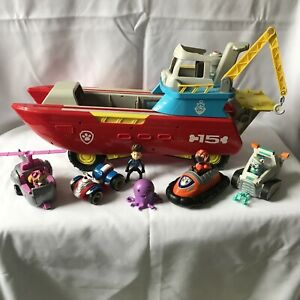 Paw Patrol Sea Patroller Boat Changeable Vehicle Lights & Sounds + Dogs + Cars