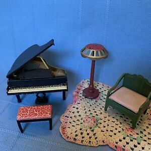Vtg 20-30's Tootsietoy dollhouse Furniture Baby grand piano & Bench Lamp Chair