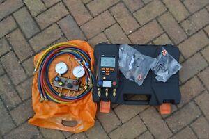 Testo 550 Digital Manifold Kit  with Refco SM4-3 Four-Way Manifold & Hoses