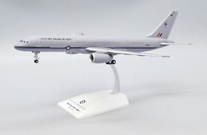 JC Wings 1:200 Royal New Zealand Air Force (RNZAF) B757-200 NZ7571 Diecast Model
