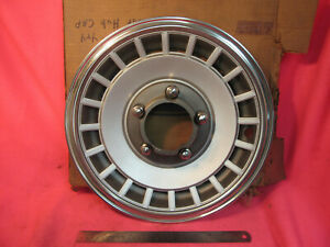 """NOS Ford 1979-82 F150 4x4 Pickup Truck Front Hub Cap Wheel Cover 14"""" Bronco"""