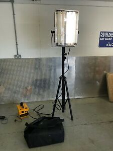 Nightsearcher Portable Floodlight with stand and rechargeable battery pack