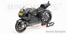 Ducati Desmosedici Valentino Rossi Test 2011 Minichamps 1:12 122110876  Model
