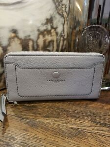 MARC JACOBS M0013048 Standard Continental Light Grey Leather Wallet Zip Around