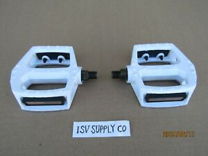 NEW BICYCLE 1/2'' WHITE ALUMINUM PEDALS FOR BMX, CRUISER, MTB, TRICYCLE