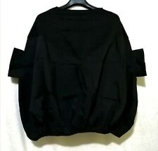 Black Minimalist Top