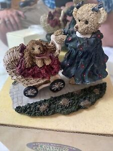 Cottage Collectibles by Ganz A Stroll In The Park #CC2027 Mary Holstad